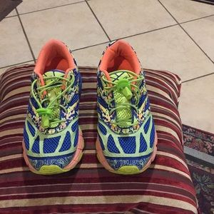 Asics size 5 Sneakers good condition